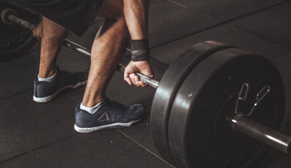 Sport im Freien - Körperübungen im Fitnesspark